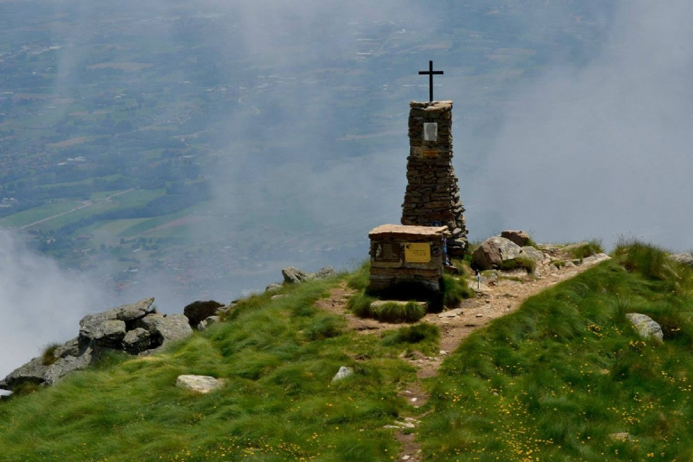 Il monumento in vetta