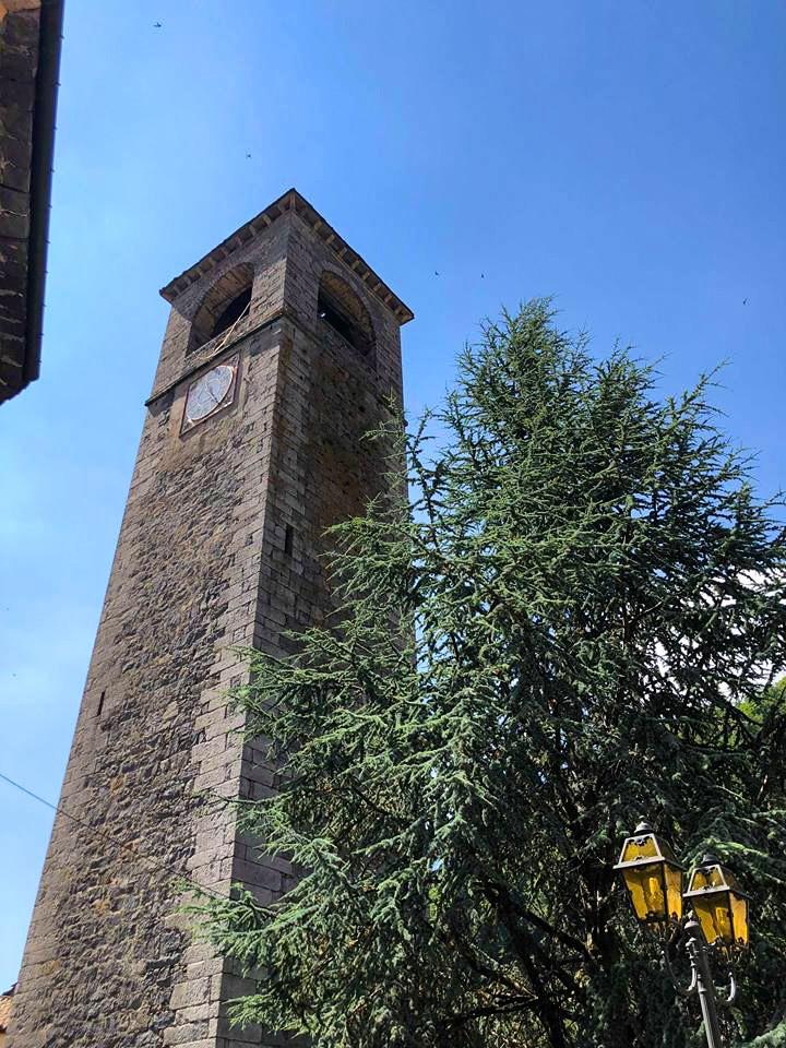 Il campanile della chiesa parrocchiale