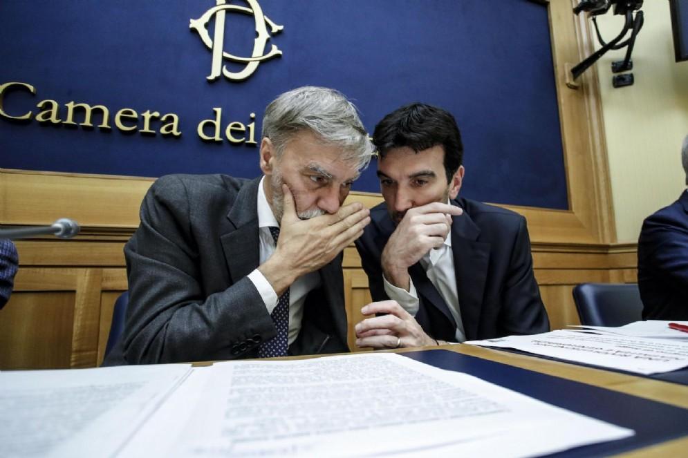 Il segretario del Pd Maurizio Martina con Graziano Delrio
