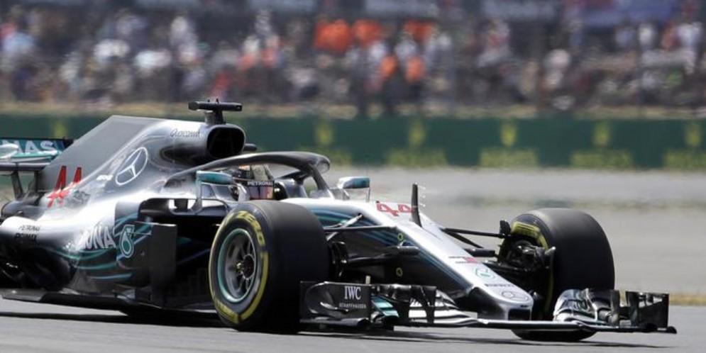 F1: Silverstone; pole a Hamilton