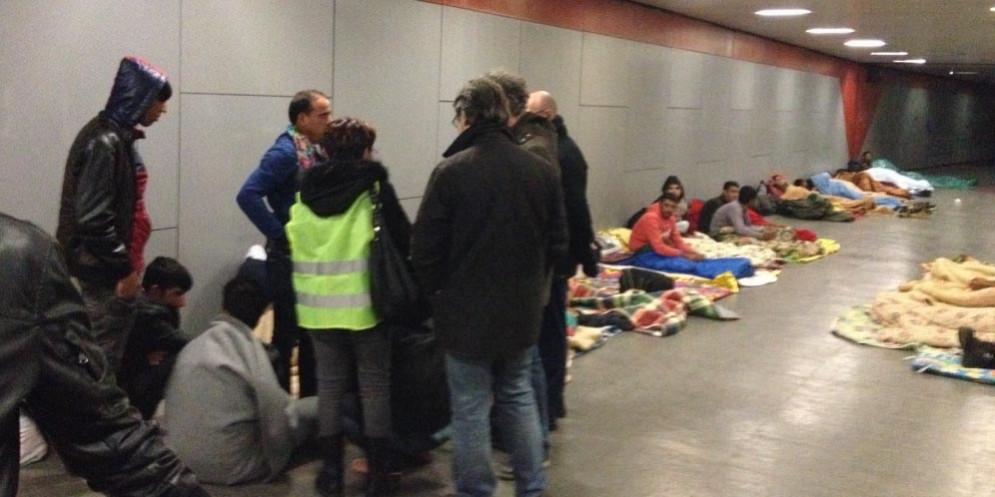 Stop al progetto Aura: niente più migranti negli appartamenti della città