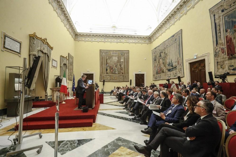 Un momento della presentazione della relazione annuale della Corte dei Conti nella sala della Lupa di Montecitorio