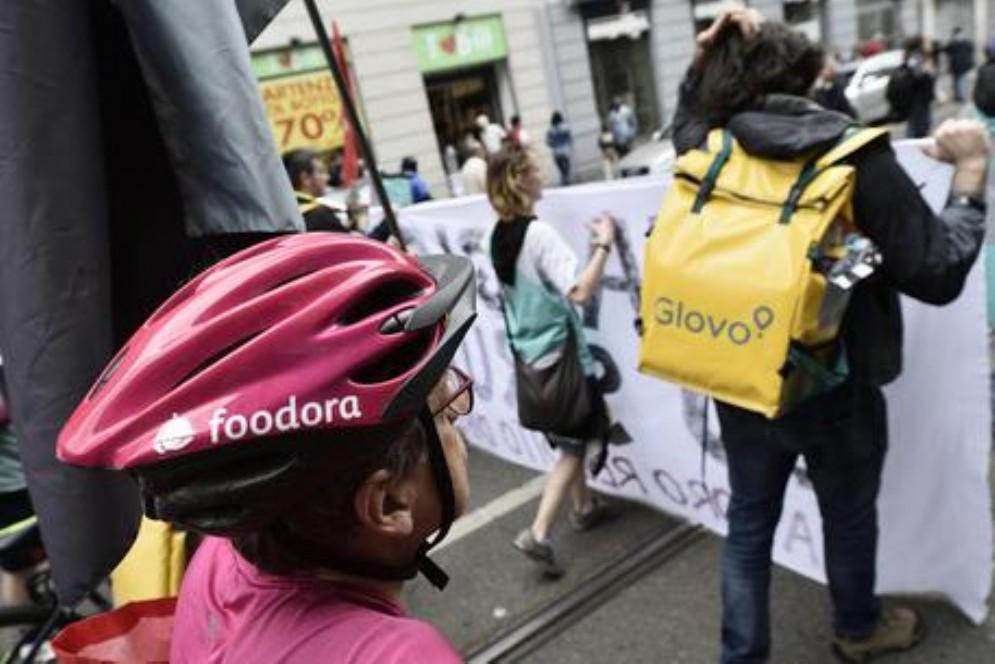 Dopo Foodora tocca a Glovo: a Torino riesplode la protesta dei rider