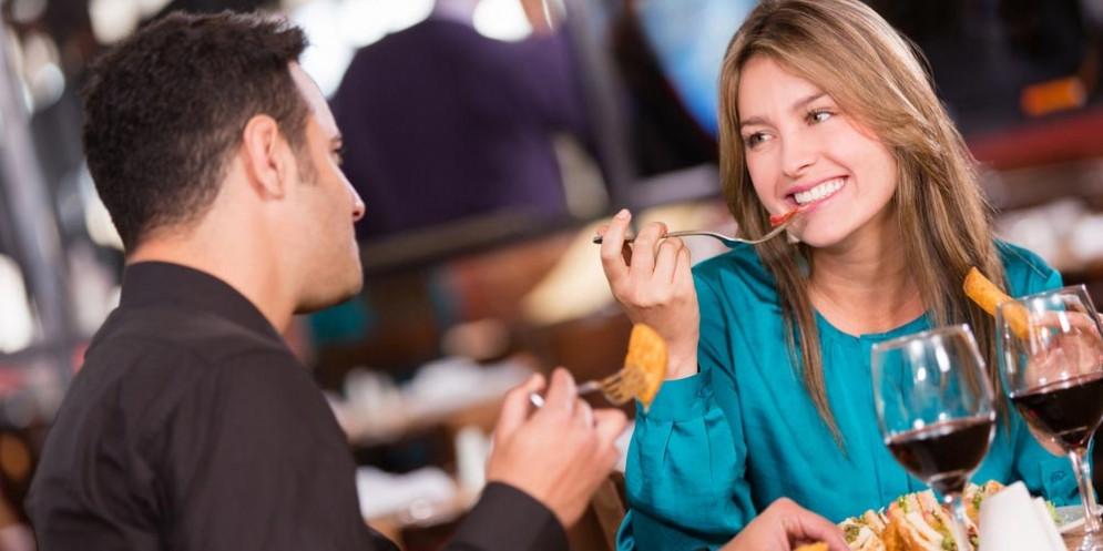 Cena al ristorante - Immagine rappresentativa