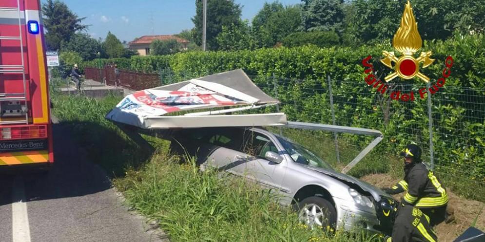 Scontro tra auto a Fontanafredda: ferite cinque persone e un bambino piccolo