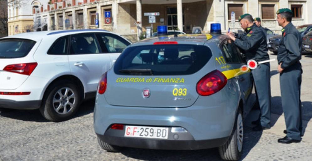 Sequestri di auto di lusso