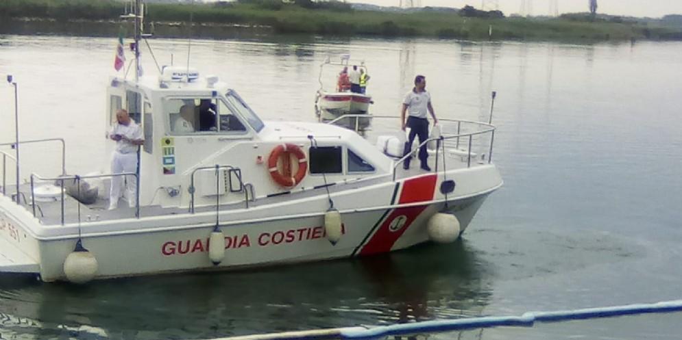 Marinaio si sente male su un peschereccio: soccorso dalla Guardia Costiera