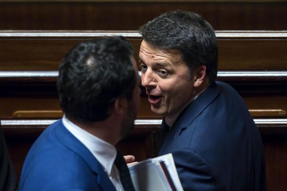 Matteo Renzi Matteo Salvini si incrociano al Senato