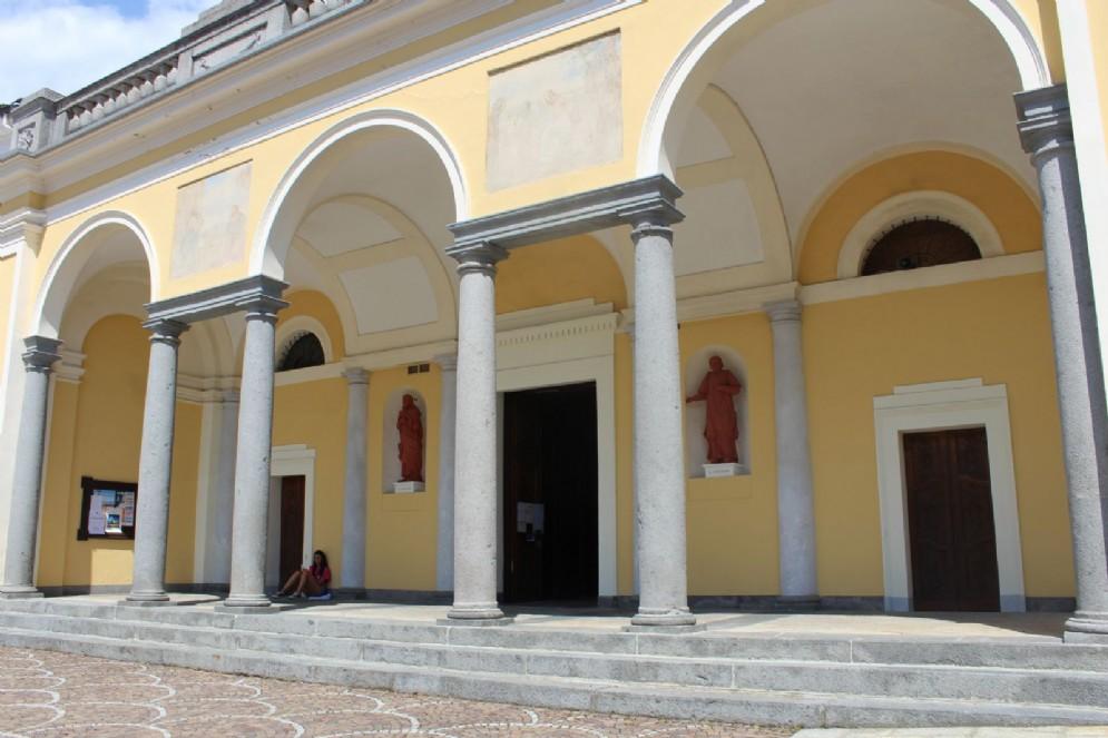 I portici della chiesa