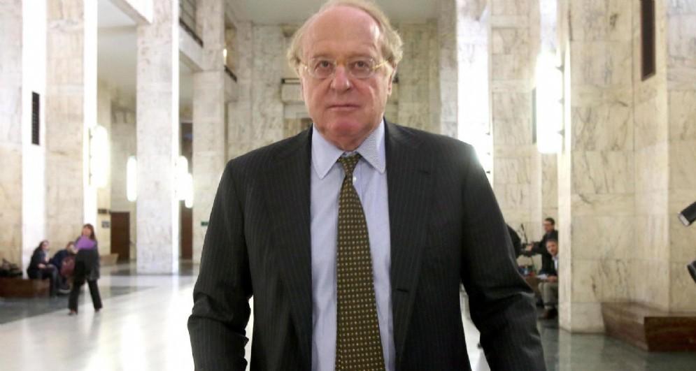 Il nuovo presidente del Milan Paolo Scaroni