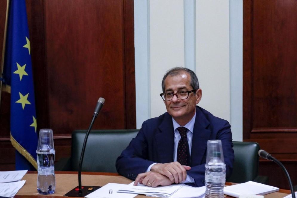 Il ministro dell'Economia Giovanni Tria in commissione Finanze del Senato