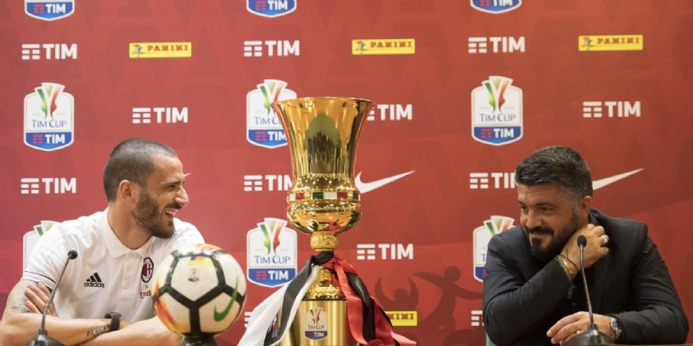 Bonucci scherza con Gattuso alla vigilia della finale di Coppa Italia
