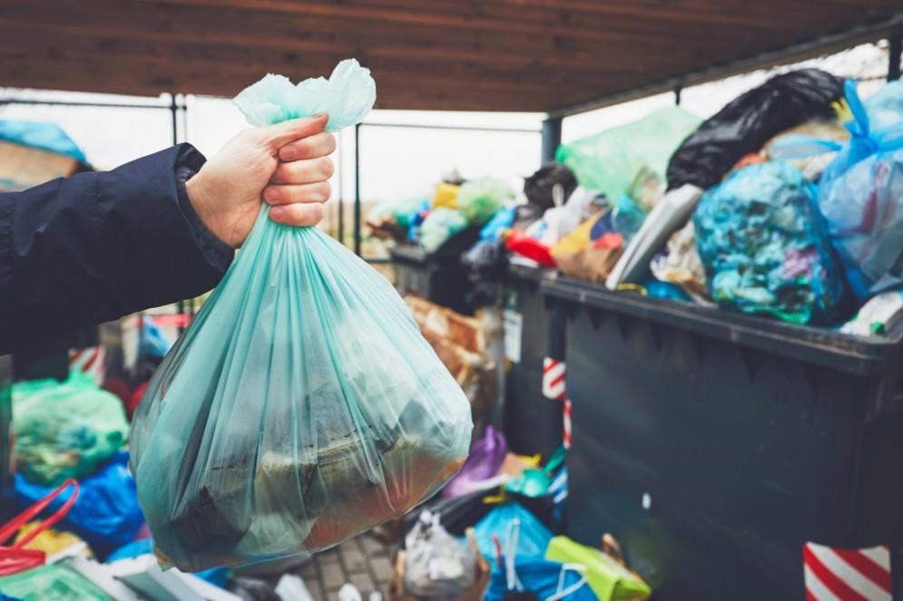 Raccolta rifiuti, il contenitore di famiglia anche nelle case Atc