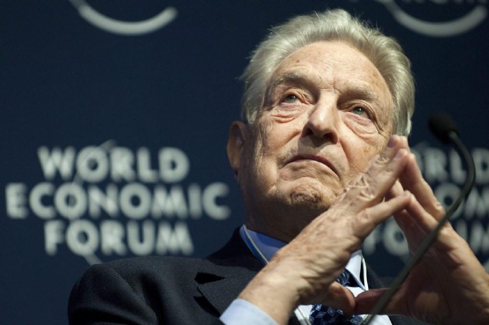 George Soros durante il World Economic Forum di Davos, Svizzera