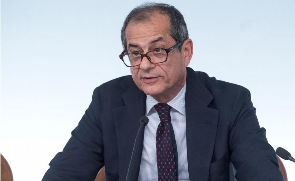 Il ministro dell'Economia e delle Finanze, Giovanni Tria, durante la conferenza stampa al termine del Consiglio dei ministri