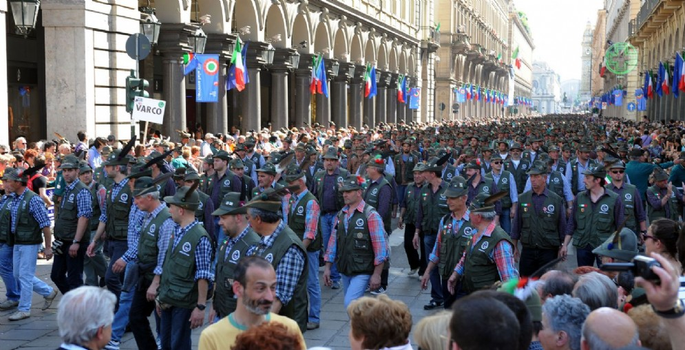 A Torino torna l'adunata degli alpini? Appendino: «Siamo pronti ad accogliergli»