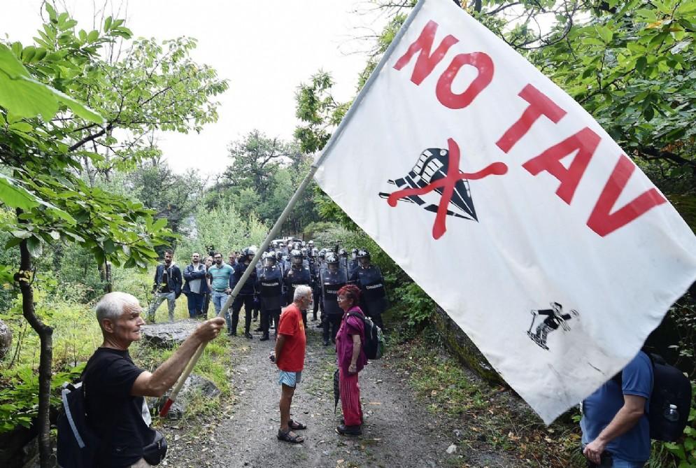 Il corteo No Tav sfilato per la Val Clarea fino a Chiomonte