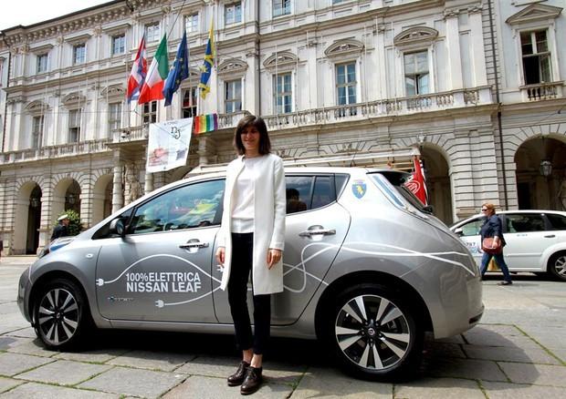 Chiara Appendino e l'auto elettrica