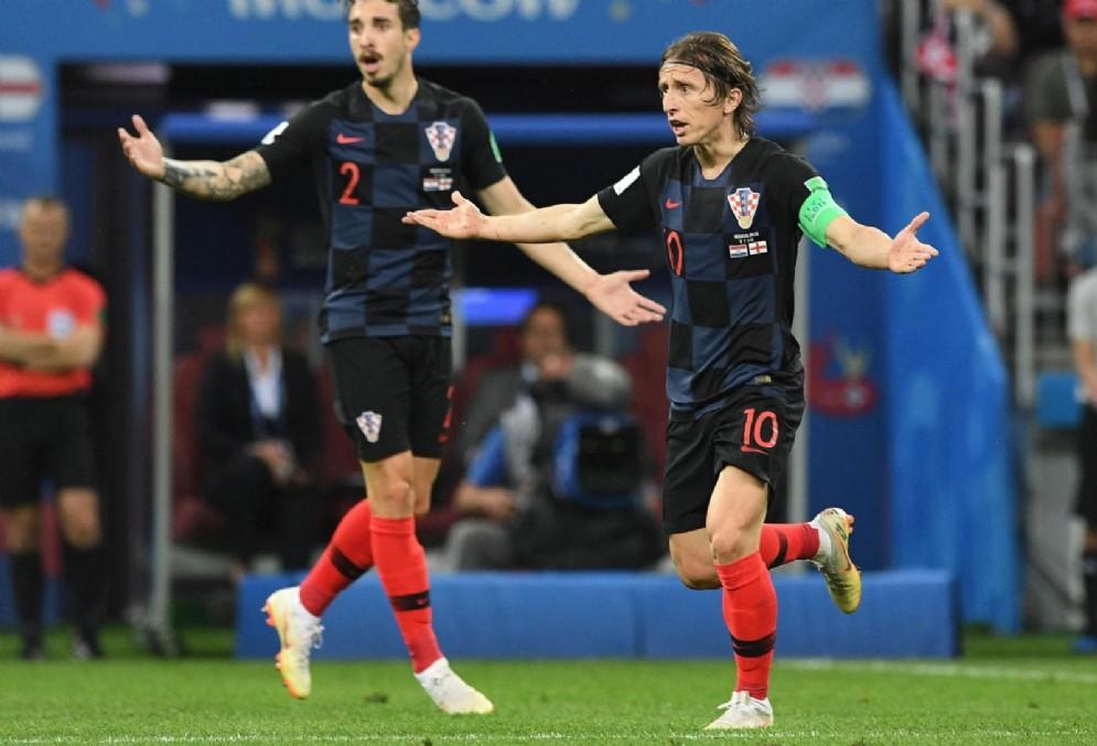 Modric accanto a Vrsaljko con la maglia della Croazia
