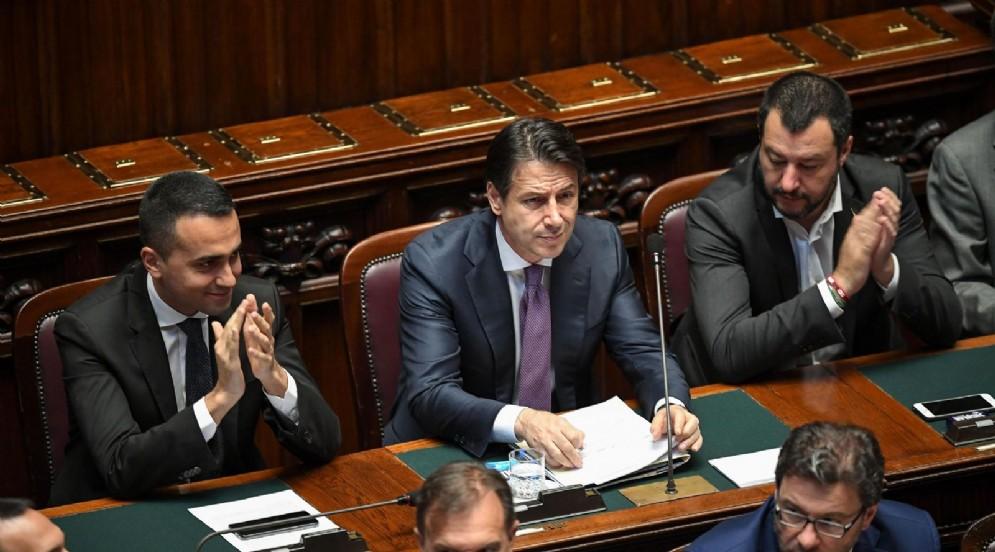 I vicepremier Luigi Di Maio e Matteo Salvini con il presidente del Consiglio Giuseppe Conte