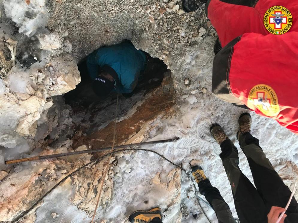 Speleologo ferito sul Canin: ancora alcune ore per liberarlo