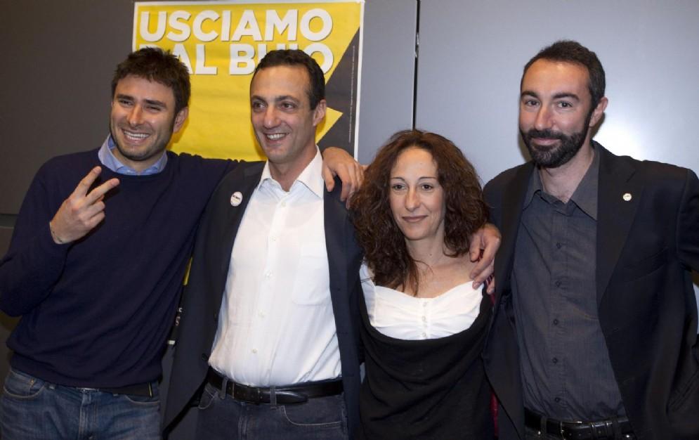 Davide Barillari (a destra) con Paola Taverna, Marcello De Vito e Alessandro Di Battista
