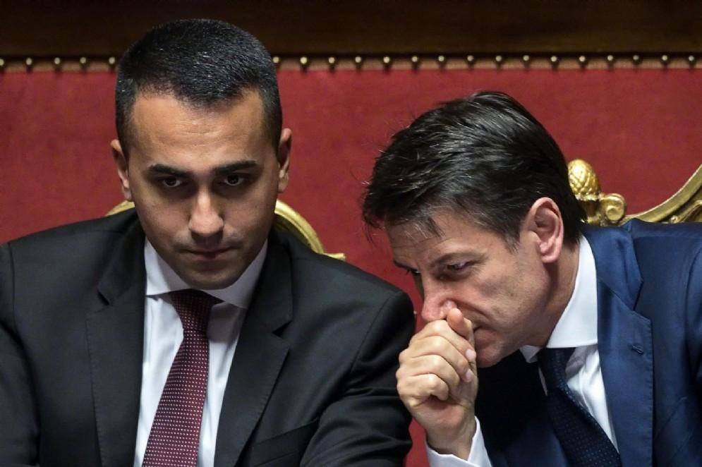 Giuseppe Conte con Luigi Di Maio in aula al Senato. Roma, 07 agosto 2018