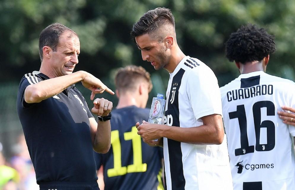 Juventus a Villar Perosa, tifosi pazzi per Cristiano Ronaldo: le foto più belle