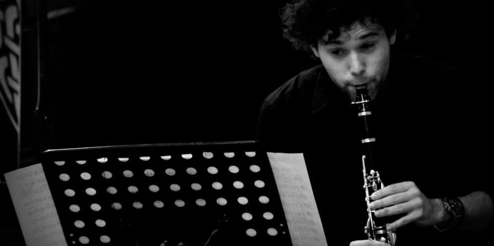 'Nei suoni dei luoghi': le seduzioni dei classici e i ritmi balcanici Santa Maria la Longa