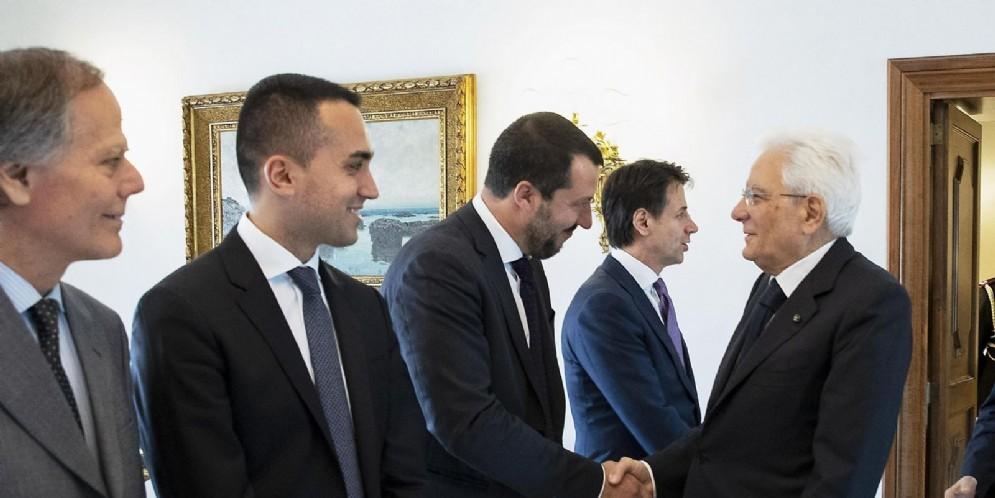 Il presidente Sergio Mattarella con il presidente del Consiglio Giuseppe Conte e i vicepremier Luigi Di Maio e Matteo Salvini