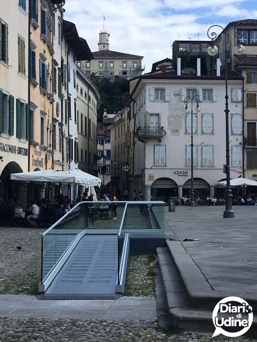 Accessibile la pedana disabili in San Giacomo