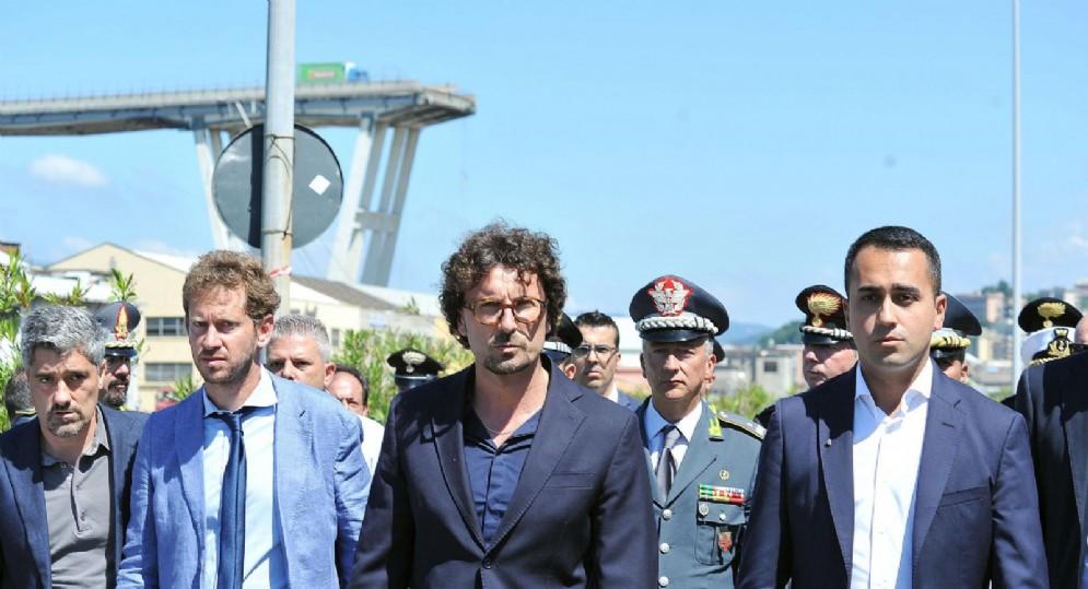 Il sopralluogo del vicepremier Luigi Di Maio e del ministro delle Infrastrutture Danilo Toninelli sul luogo del crollo del ponte Morandi di Genova