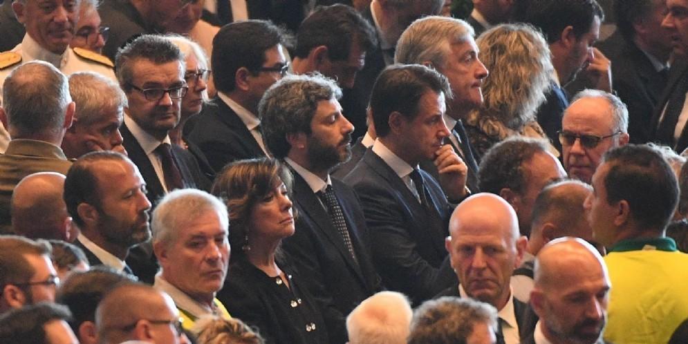 Il presidente della Camera Roberto Fico durante i funerali di Stato a Genova per le vittime del crollo del ponte Morandi