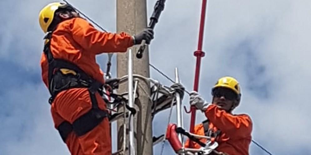 In 37 comuni Fvg via chek up aereo delle linee elettriche di Enel