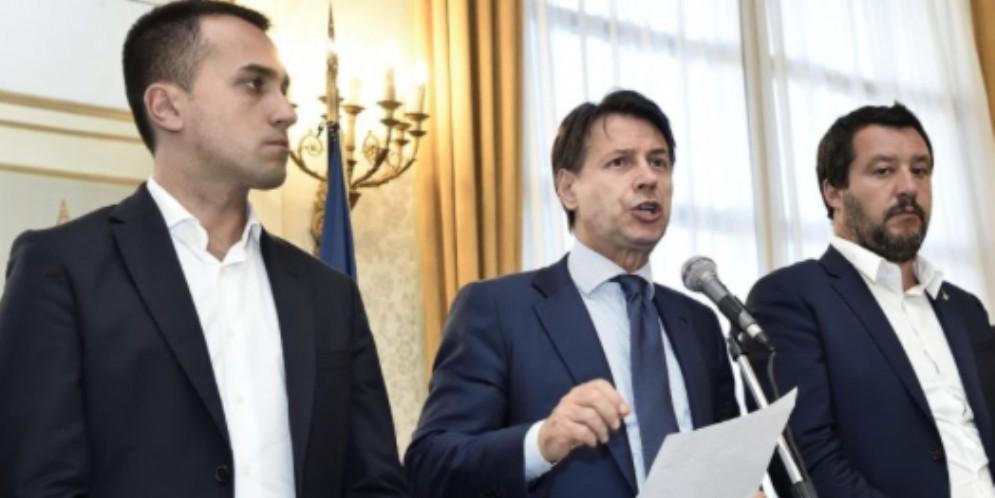 Giuseppe Conte con i vicepremier Luigi Di Maio e Matteo Salvini