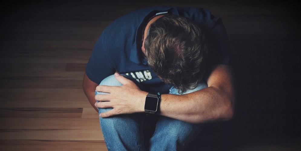 29enne tenta il suicidio - Immagini di repertorio