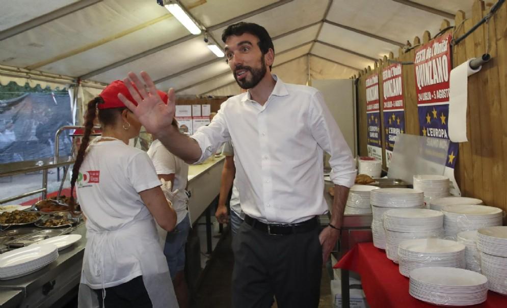 Il segretario del Pd Maurizio Martina in occasione della festa dell'Unità di Quinzano a Verona