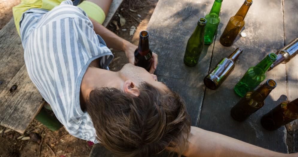 Ragazza ubriaca - Immagine di repertorio