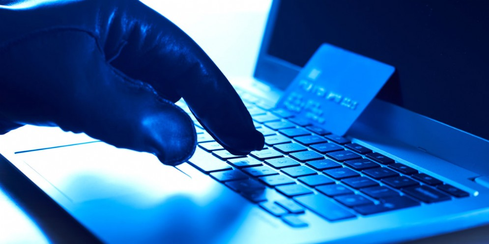 Dopo il pagamento, la merce non veniva consegnata: tre denunce per una truffa online