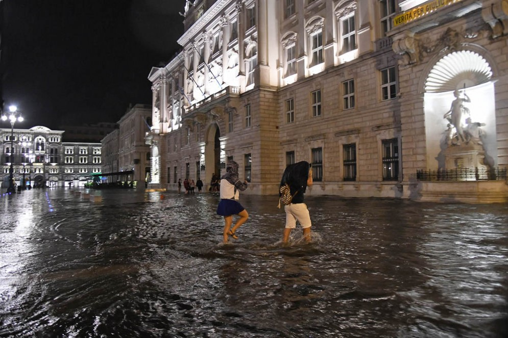 Malltempo: Trieste sott'acqua dopo le forti piogge