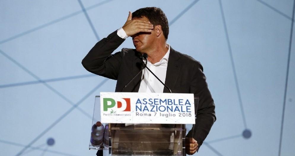 Matteo Renzi durante l'assemblea nazionale del Partito Democratico