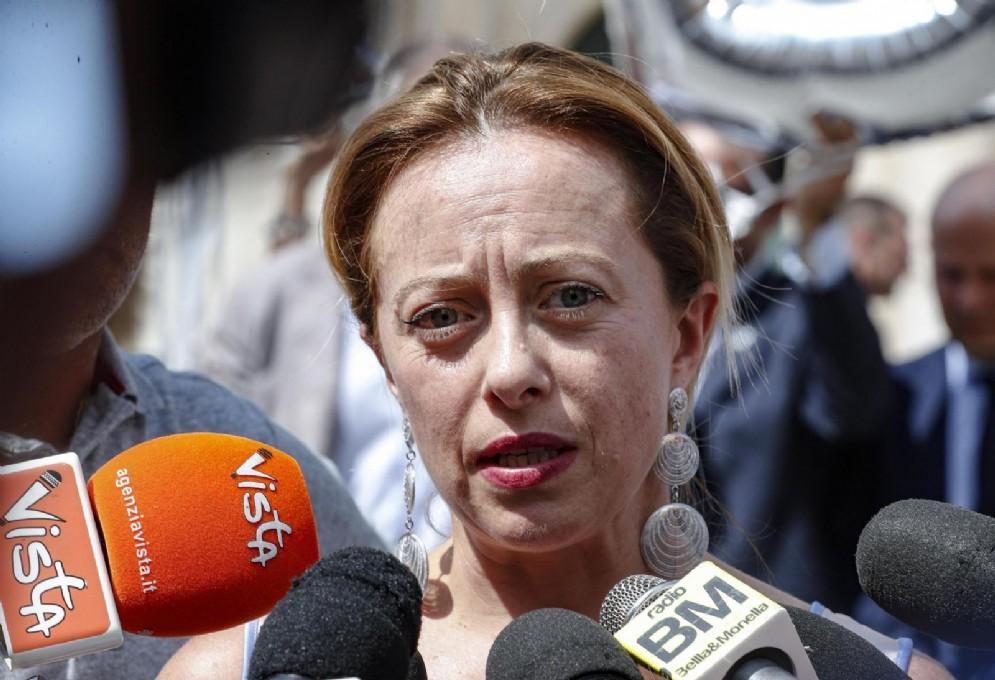 Giorgia Meloni in piazza Montecitorio