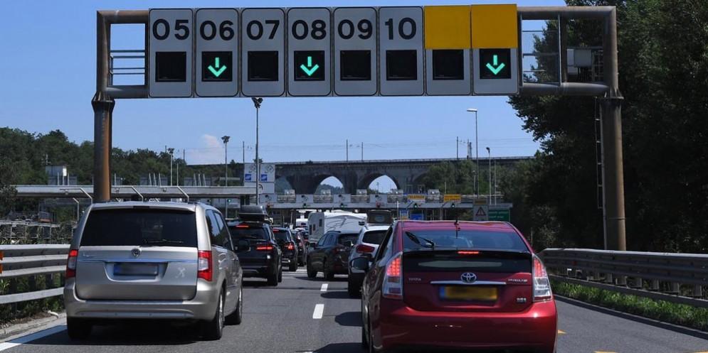 Autostrada: bollino rosso venerdì, nero sabato