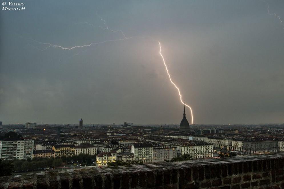 Meteo a Torino, «addio» estate: in arrivo temporali, temperature in picchiata