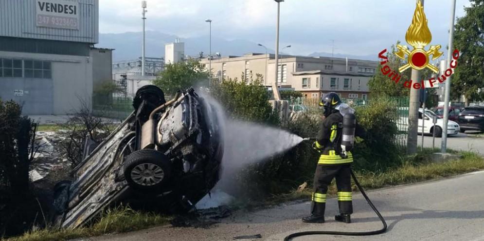 Incidente con incendio a Vigonovo di Fontanafredda: conducente ferito