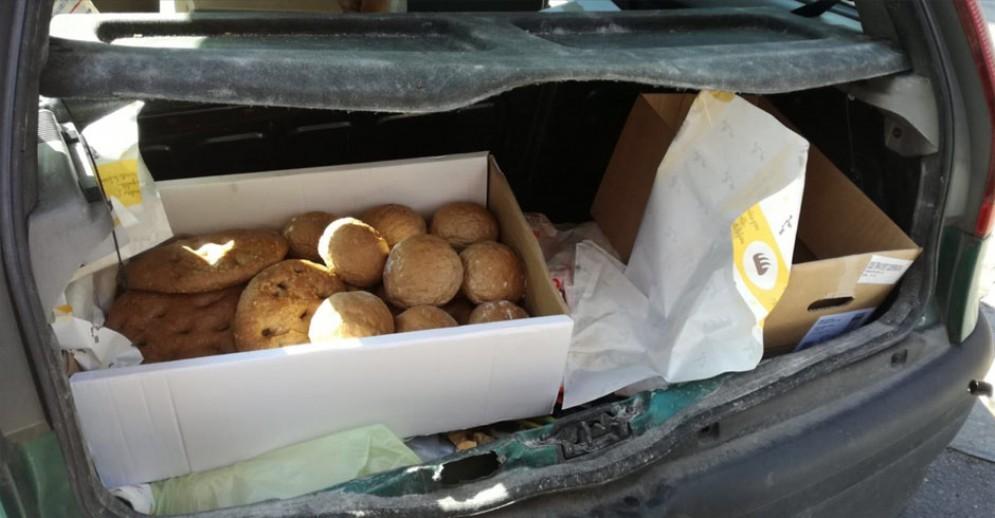 Il pane sequestrato all'automobilista