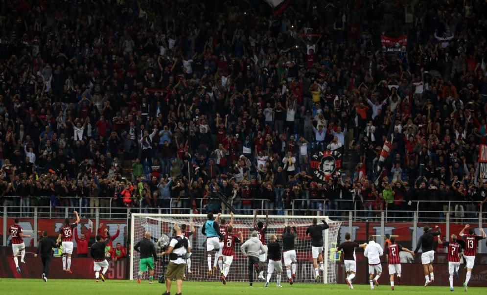 Il Milan esulta dopo il successo contro la Roma