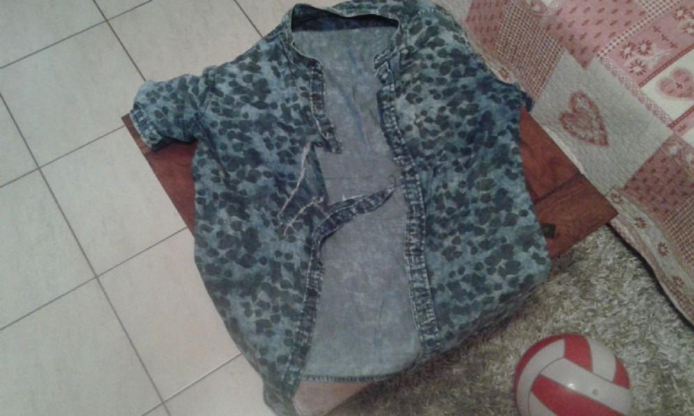 La camicia strappata