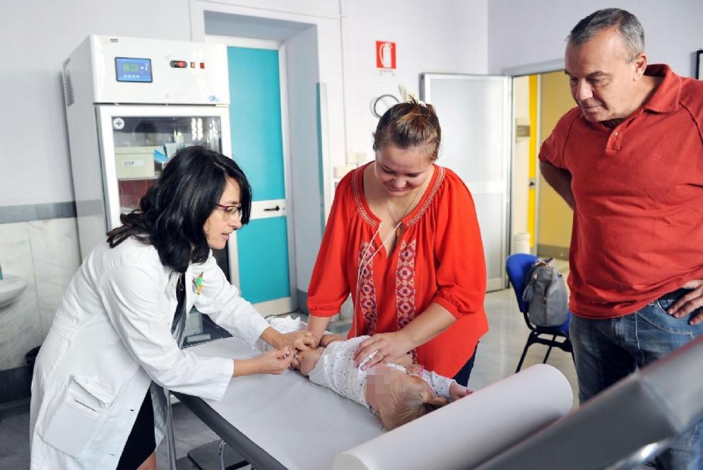 Vaccinazioni pediatriche obbligatorie, in Piemonte raggiunto il 95% della copertura