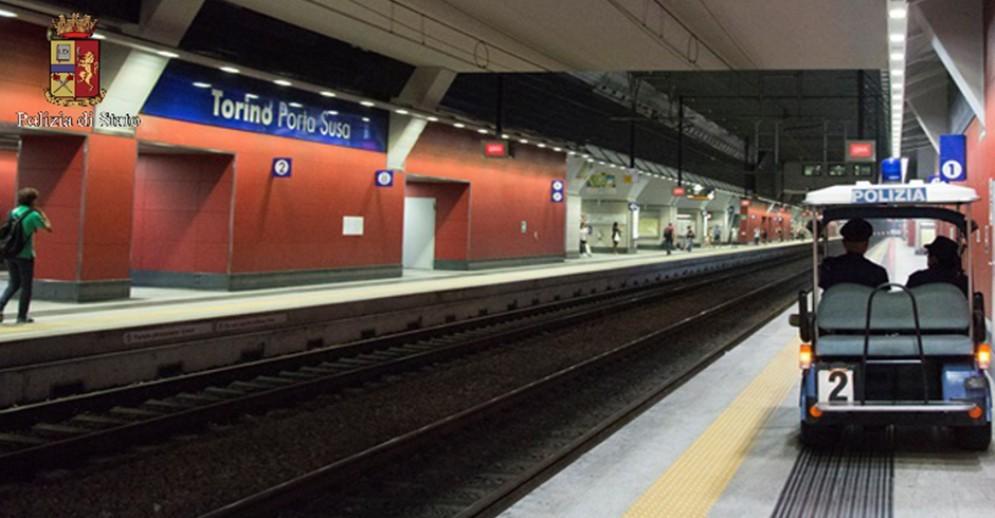 Uno dei binari della stazione Porta Susa a Torino